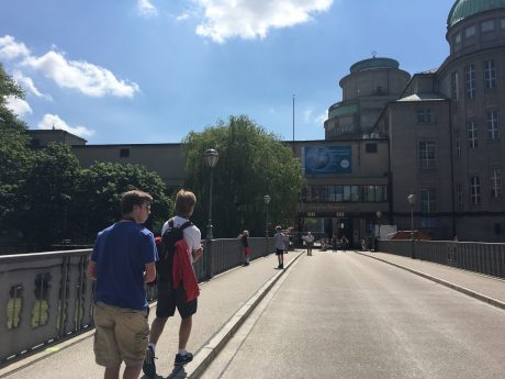 Jerry and the boys, walking to the Deutsches Museum.