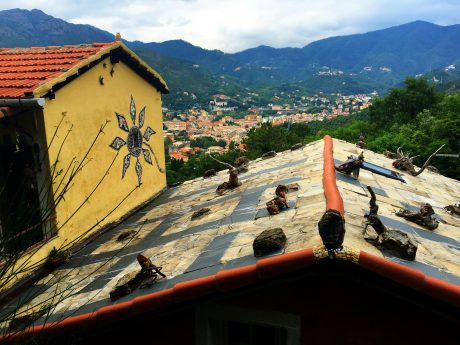 A cool Bed & Breakfast above Levanto that had these hand carved figurines on its roof.